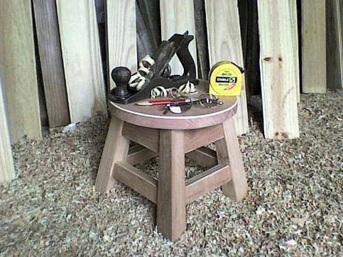 Taburetes de madera / vendo