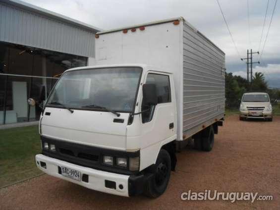 Vendo en buen estado hyundai mighty con furgon año 1997 buen precio!