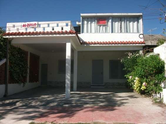 Alquilo casa planta alta temporada 2019 _ 2020 a 2 y 1/2 de la playa y del hotel colon